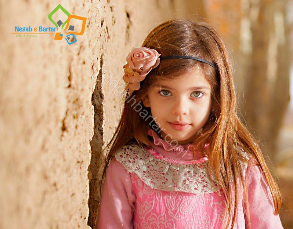 نمونه عکس کودک در فضای باز